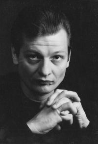 Олег Роенко. С театром в сердце и шпагой в руке